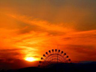 CWC2 Simuzu Ferris Wheel at Sunset _Resize
